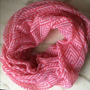 NEW infinity scarf graphic pattern red white